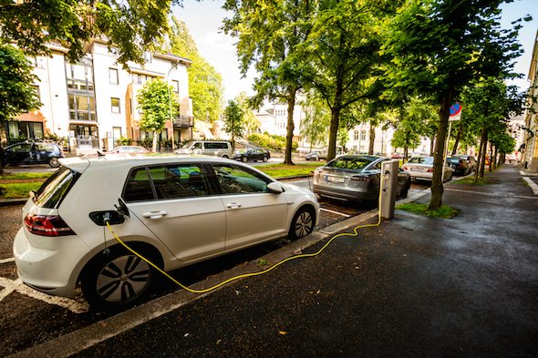 5 Reasons to Buy an Electric Car