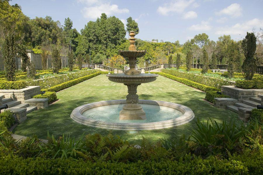 Greystone Mansion public gardens